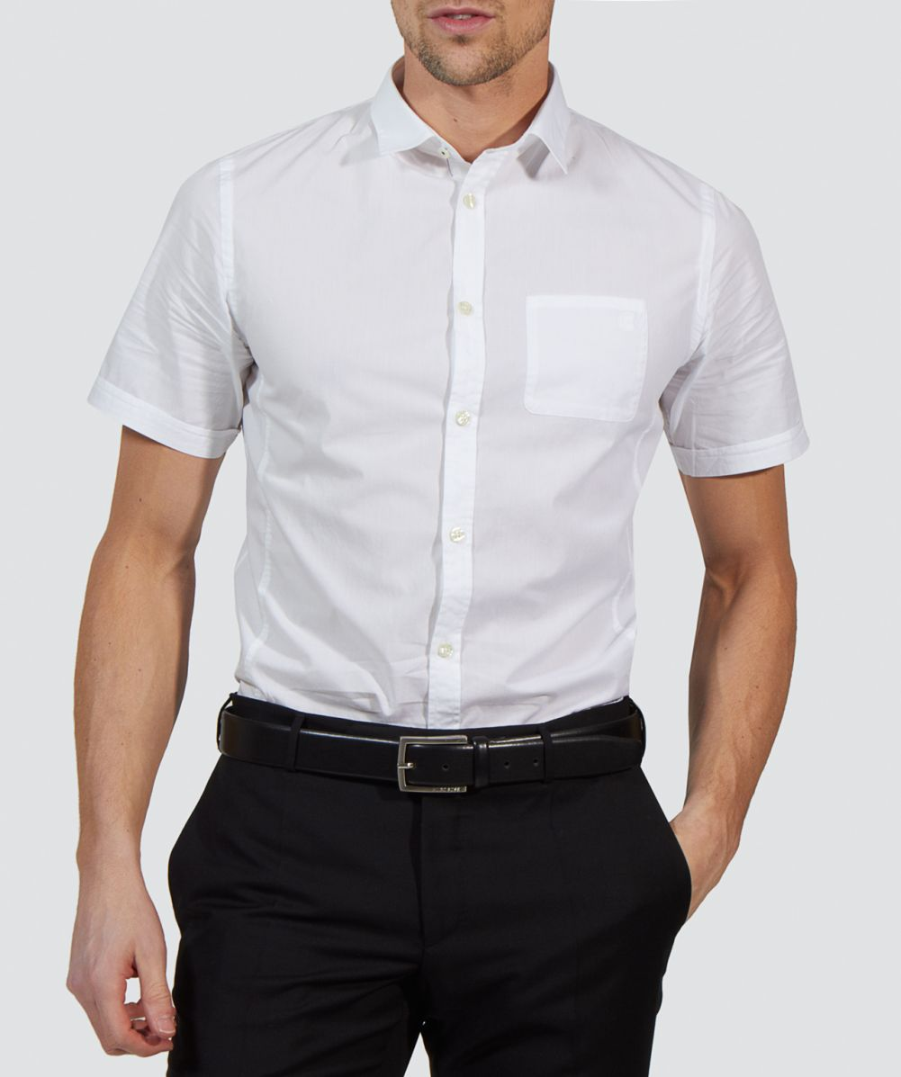 Short Sleeve () Since the 70s, we have added new styles including the signature men's slim fit polo shirts. This style provides the trimmest silhouette and looks great with a pair of men's seersucker shorts or men's slim fit chinos. Looking for a dressier alternative?